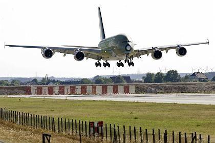 Harte Landung in Finkenwerder: Hamburg bangt um den A380