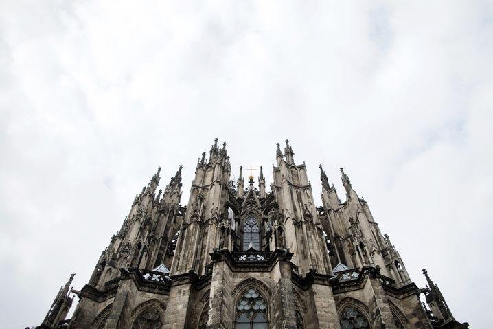 Ungewohnte Perspektive: Blick auf die Rückseite des Kölner Doms