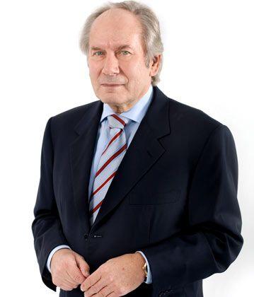 August-Wilhelm Scheer ist Präsident des Bundesverbands Informationswirtschaft, Telekommunikation und neue Medien (Bitkom). Seinen 41-Prozent-Anteil an dem von ihm gegründeten Software- und Beratungshaus IDS Scheer verkaufte er 2009.