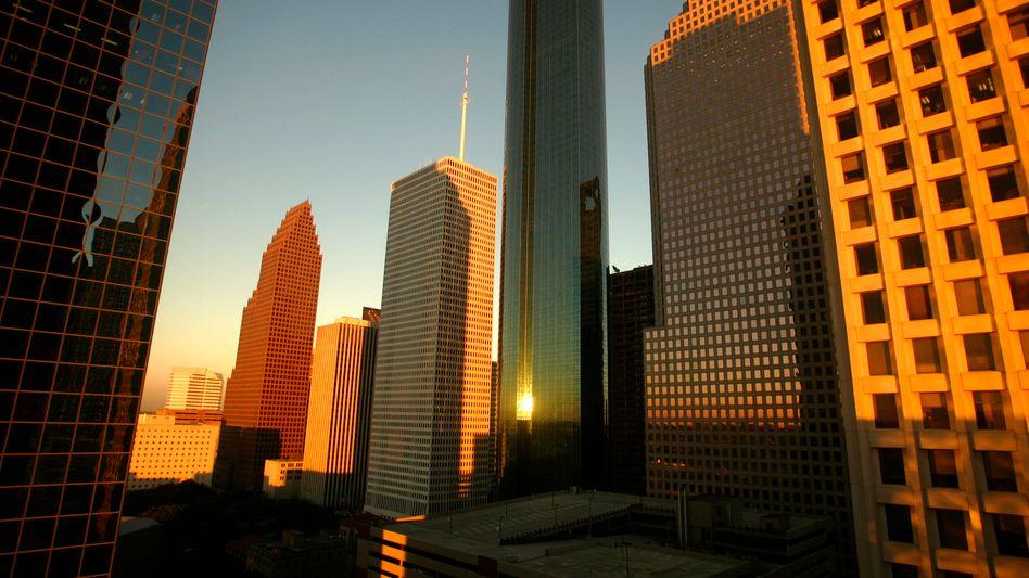 Downtown Houston/USA: Kritische Bewertung von Immobilienhypotheken-Verbriefungen durch S&P