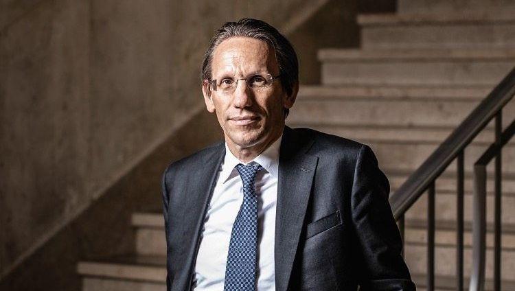 Wohin des Wegs? Staatssekretär Jörg Kukies fahndet nach dem Notausgang für die Commerzbank.