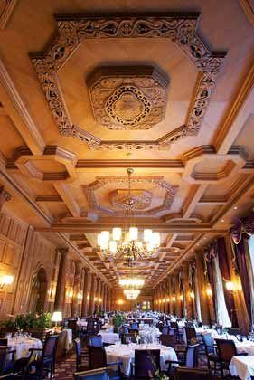 ... Festsäle sollten wieder leuchten wie 1919, als der russische Startänzer Nijinsky vor illustren Gästen seine Pirouetten drehte