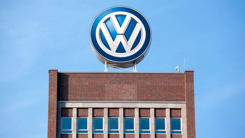 Wieviel Transparenz lässt Volkswagen zu? Der Konzern hat Beschwerde gegen die Razzia bei ihrer Anwaltskanzlei eingelegt und möchte auf diesem Weg die Auswertung von beschlagnahmten Papieren durch Staatsanwälte verhindern