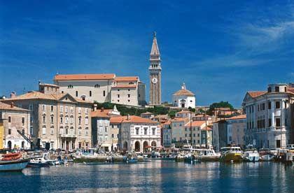 Venezianische Vergangenheit: Der Campanile in Piran erinnert noch daran, dass dieser Teil den heutigen Slowenien bis ins 18. Jahrhundert von der anderen Adriaseite aus regiert wurde