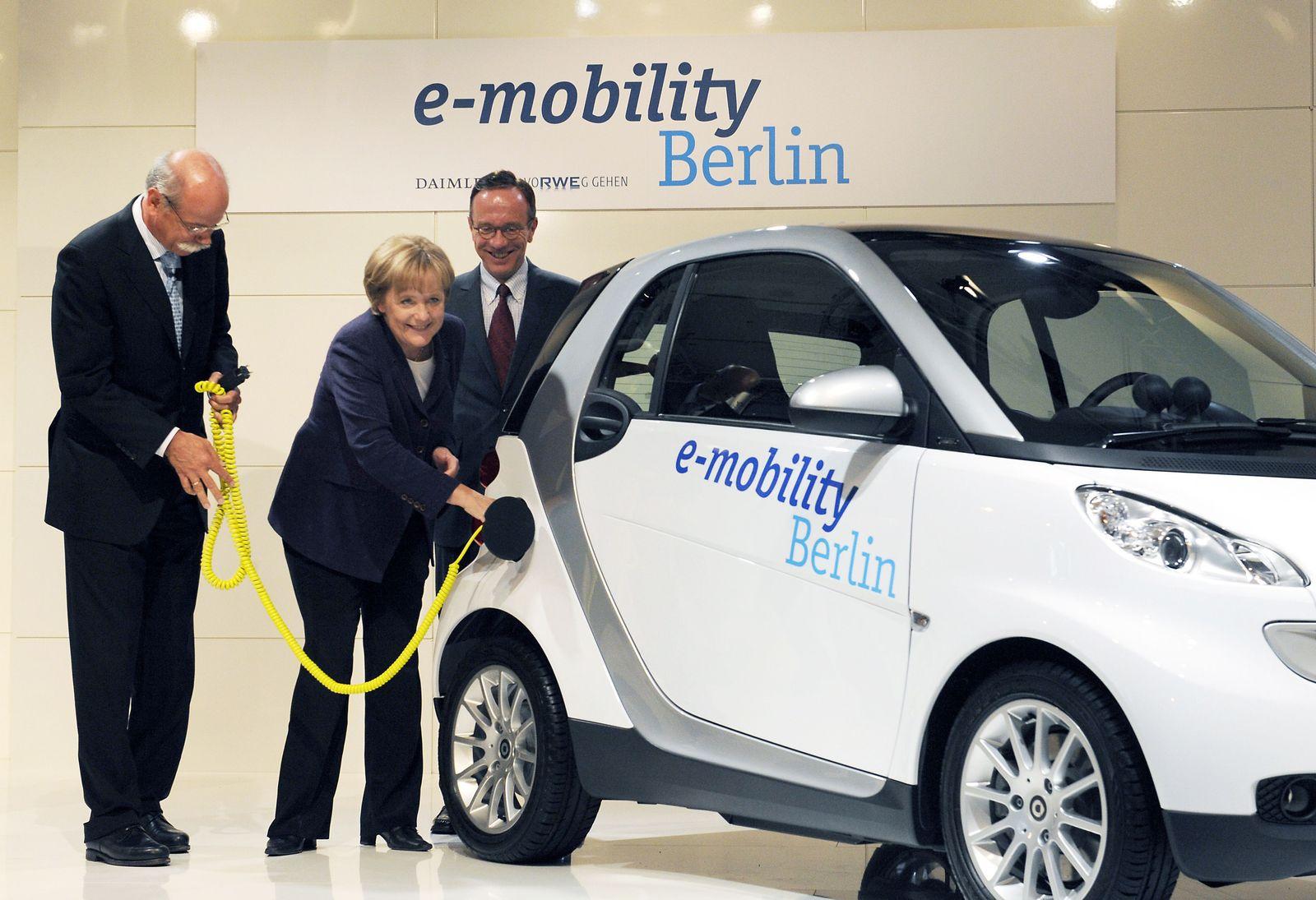 Daimler und RWE starten gemeinsames Elektroauto-Projekt in Berlin