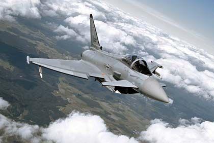 Eurofighter: Die Stummelflügel am Bug helfen, den Kampfjet zu steuern