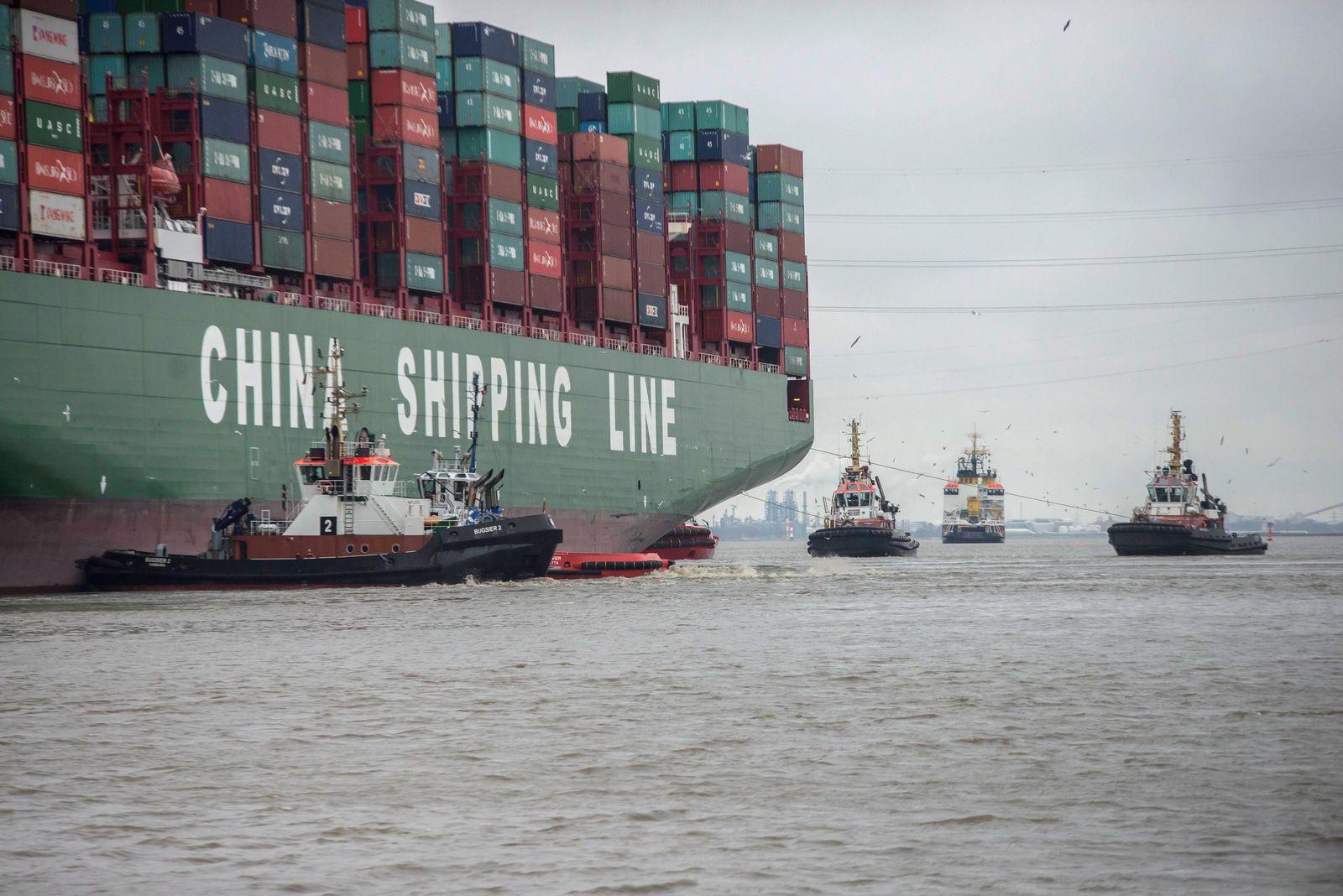 Hamburg / Containerschiff / Elbe / Indian Ocean