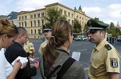 Bürgernähe:Weniger elitärenInstitutionen wie der Polizei wird am meisten Vertrauen entgegengebracht