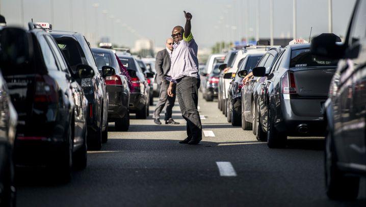 """Taxi-Protest: """"Sie wollen uns umbringen"""""""
