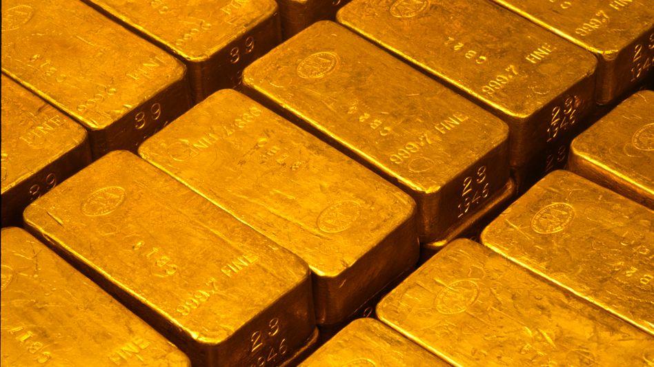 Krisenwährung Gold: Spekulative Anleger auf dem Rückzug - das drückt neben Öl und anderen Industriemetallen auch den Preis für Silber und Gold