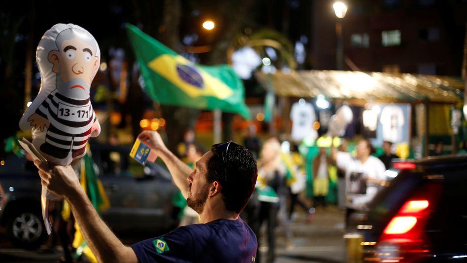 So sehen Sieger aus: Brasilianer feiern das Urteil gegen ihren Ex-Präsidenten Lula.
