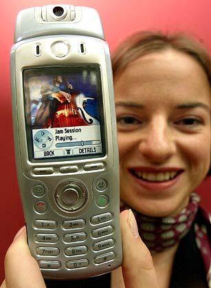 Bunte Bilder: UMTS-Handy von Motorola