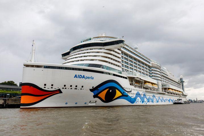 """""""Aida Perla"""" in Hamburg: Mittwoch sollte das Schiff ablegen - aber aus Italien gibt es noch kein Go für Kurztrips"""