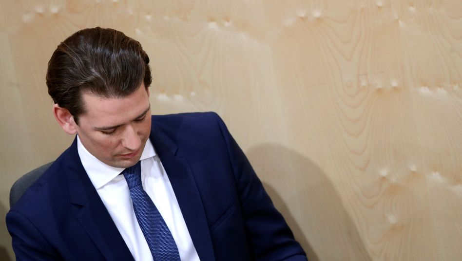 Wunderkind und jüngster Regierungschef Europas: Der erst 32-jährige Sebastian Kurz war in den vergangenen Jahren der große Star auf dem politischen Parkett - jetzt stolperte Österreichs Kanzler über ein Misstrauensvotum