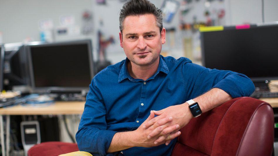 Frederik Pferdt: Der promovierte Wirtschaftspädagoge vom Bodensee ist Chief Innovation Evangelist bei Google, lehrt in Stanford und berät UN-Institutionen in Genf. Der Vater von drei kleinen Kindern bewundert deren Neugier und Vorstellungskraft.