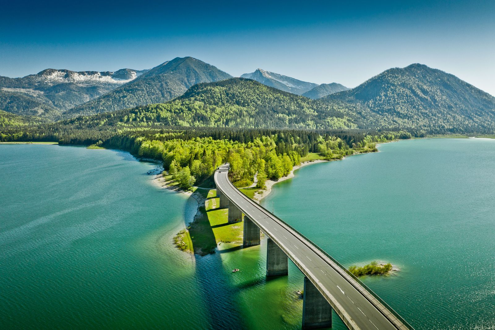 BUCHCOVER / Curves / Delius Klasing Verlag / Brücke