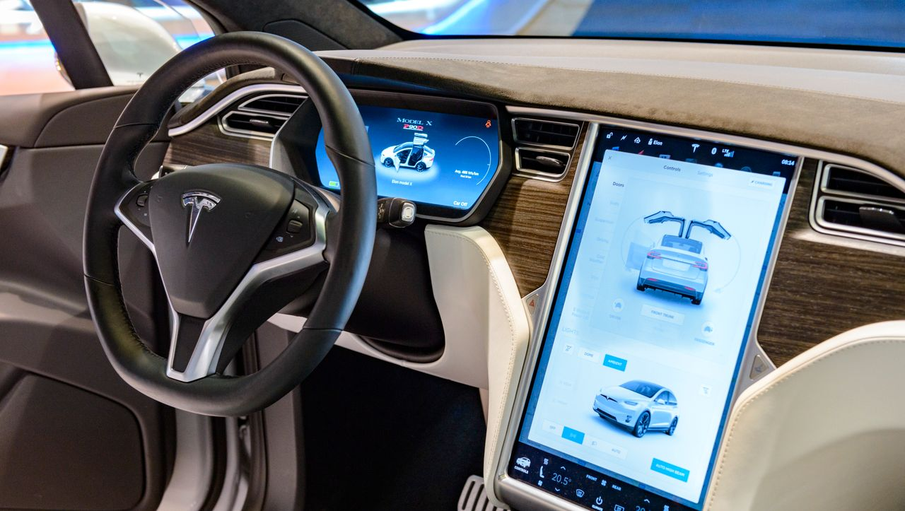 Tesla-Touchscreen-Problem ein Fall für die Kfz-Aufseher