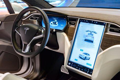 Je älter desto anfälliger: Probleme mit dem Touchscreen bei Tesla-Autos sollen diverse Funktionen beeinträchtigen