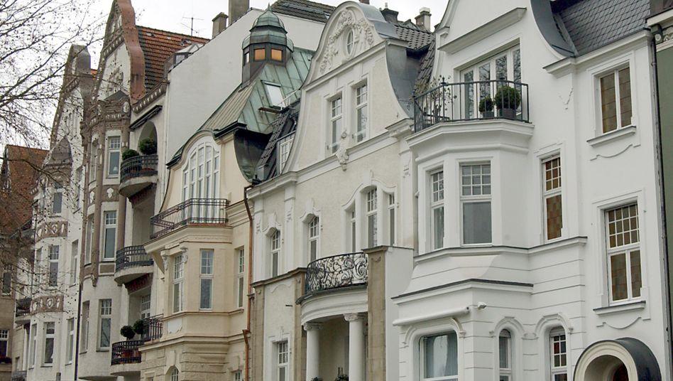 Wohnhäuser in Düsseldorf: Der Immobilienkauf dürfte dank der Zinspolitik der EZB noch günstiger werden