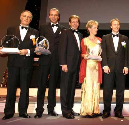 Im Rampenlicht: (v. l.) Die Preisträger Frank Blochmann (TX Logistik, Start-up), Dieter Junghans (ProIdee, Handel), Michael Louis, Bettina und Michael Jetter (Mindjet, IT)