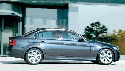 Weltpremiere in Genf: BMW stellt neue 3er-Generation vor