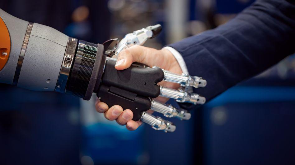 Mensch und Maschine: Künstliche Intelligenz stellt Politik und Gesellschaft vor neue Herausforderungen
