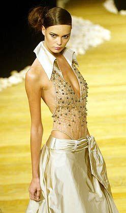 Stilvolle Transparenz: Kleid von Georges Chakra