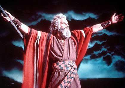 """Der Prophet hat gesprochen: Hier im Film """"Die zehn Gebote"""". Die Fed lässt die Zinsen unverändert. Das lässt Luft für neue Nachrichten"""