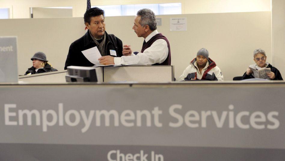 Jobs, Jobs, Jobs: Mit einer beispiellosen Geldschwemme versuchen Regierung und US-Notenbank, den Arbeitsmarkt wieder zu beleben