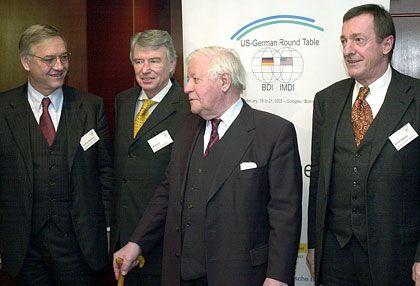 Netzwerk: Wartenbergs Kontakte gelten als legendär. Im Bild mit Helmut Schmidt im Februar 2003.