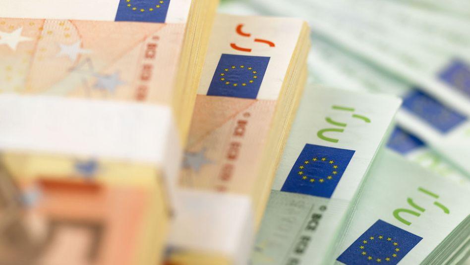 Euronoten: Wenn andere Transfermechanismen politisch nicht mehr durchsetzbar wären, müsste die Notenbank den zahlungsunfähigen Staat mit der Notenpresse finanzieren