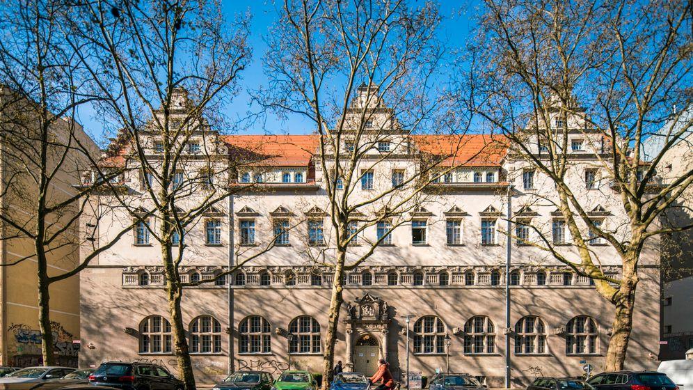Hotel Oderberger Berlin: Turmsuite überm Pool