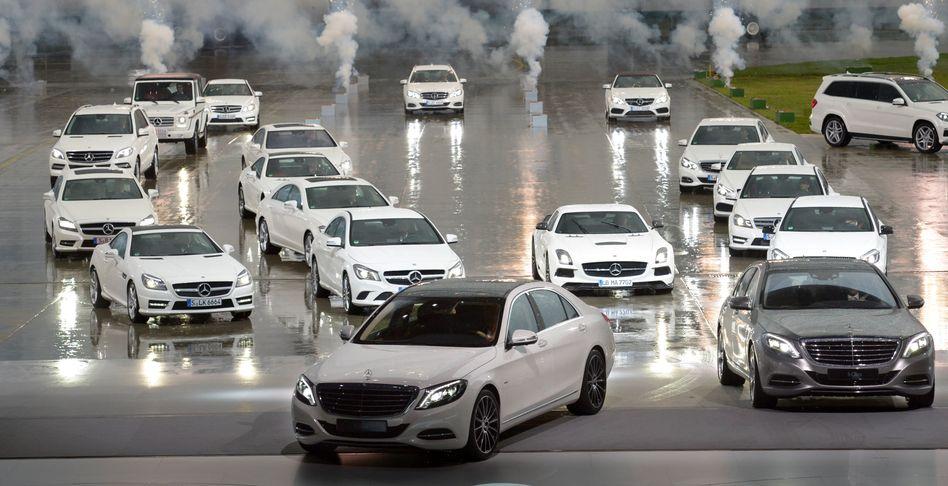 Auf und davon: Mercedes (im Bild die S-Klasse) verkaufte seit Jahresbeginn knapp 650.000 Fahrzeuge und lässt damit den Konkurrenten BMW hinter sich