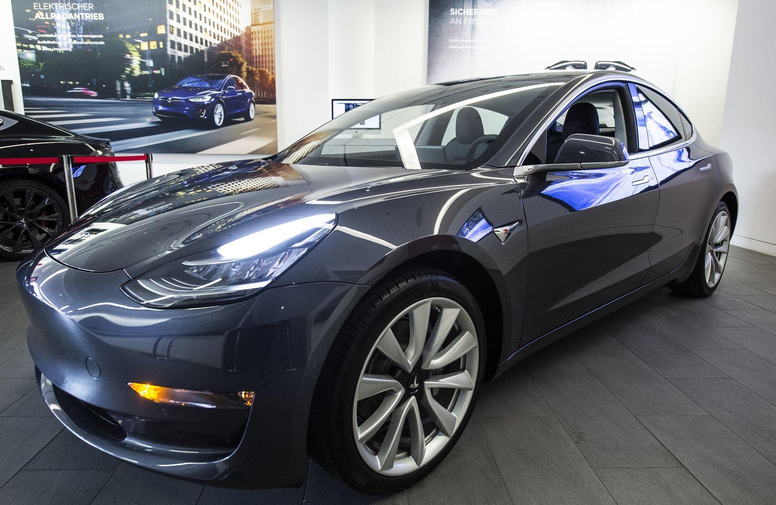 Tesla stellt Modell 3 in Europa vor
