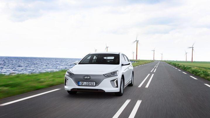 Investitionspläne für geplante E-Auto-Offensiven: Diese Riesensummen investieren Autobauer in Elektroautos