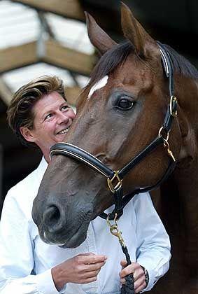 Dressurreiterin Ulla Salzgeber: Verhilft Pferd Rusty der 46-Jährigen nach Einzel-Bronze in Sydney 2000 nun zum Olympiasieg in Athen?