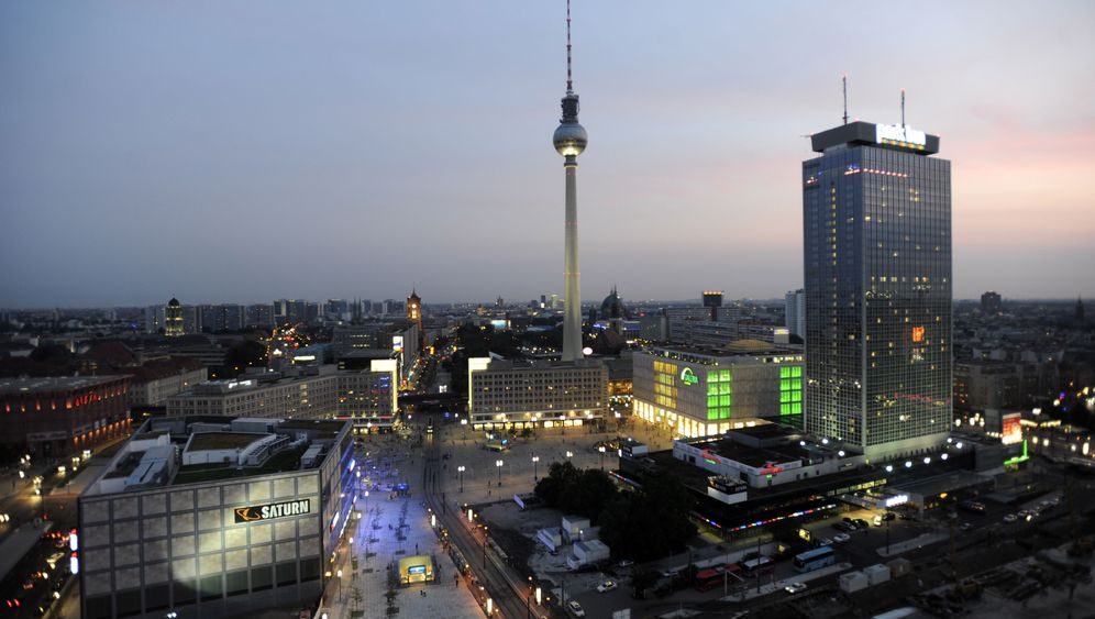 Berliner Fernsehturm: Back to the Sixties
