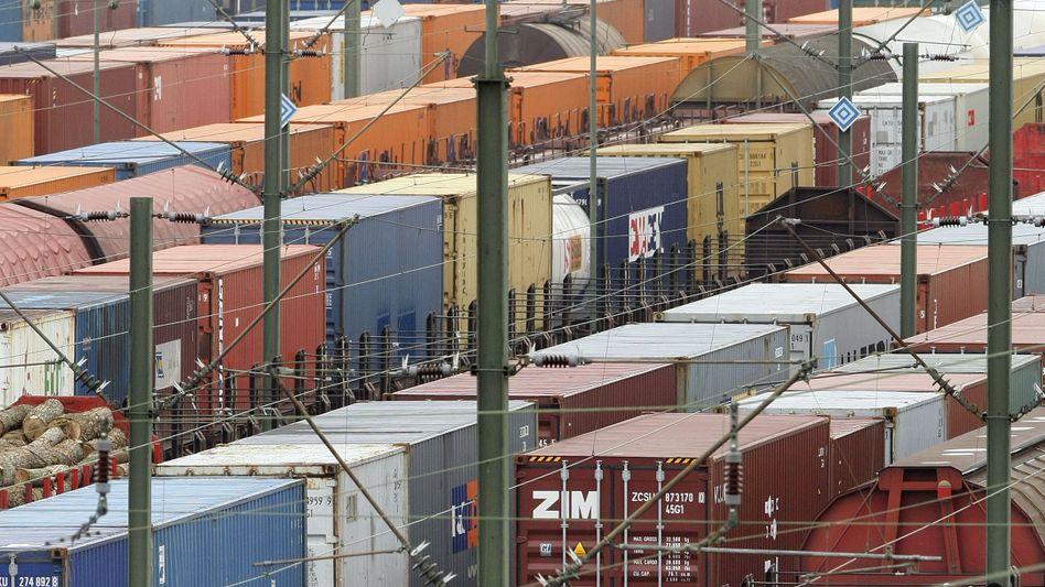 """500 Verladeplätze der Deutschen Bahn stehen auf einer Liste mit dem Vermerk """"Wegfall"""". Die Eisenbahner-Gewerkschaft sieht die DB Cargo deshalb auf dem """"falschem Gleis"""""""