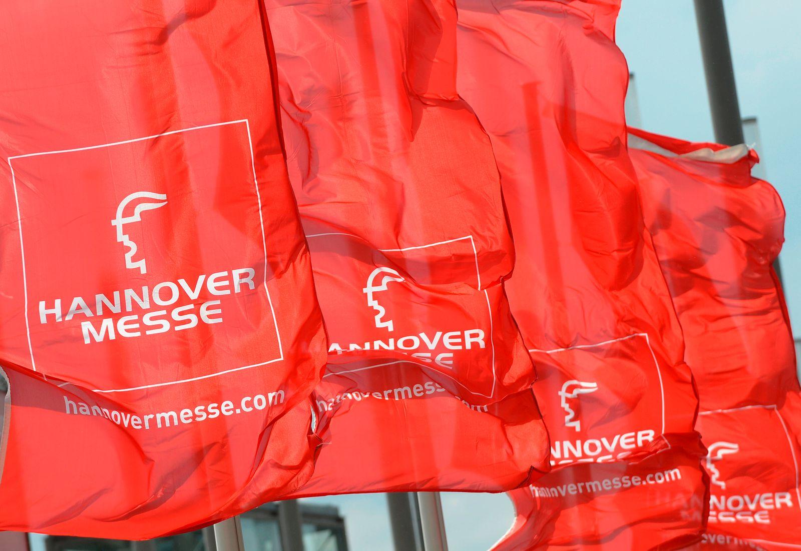 EINMALIGE VERWENDUNG Hannover Messe / Fahnen