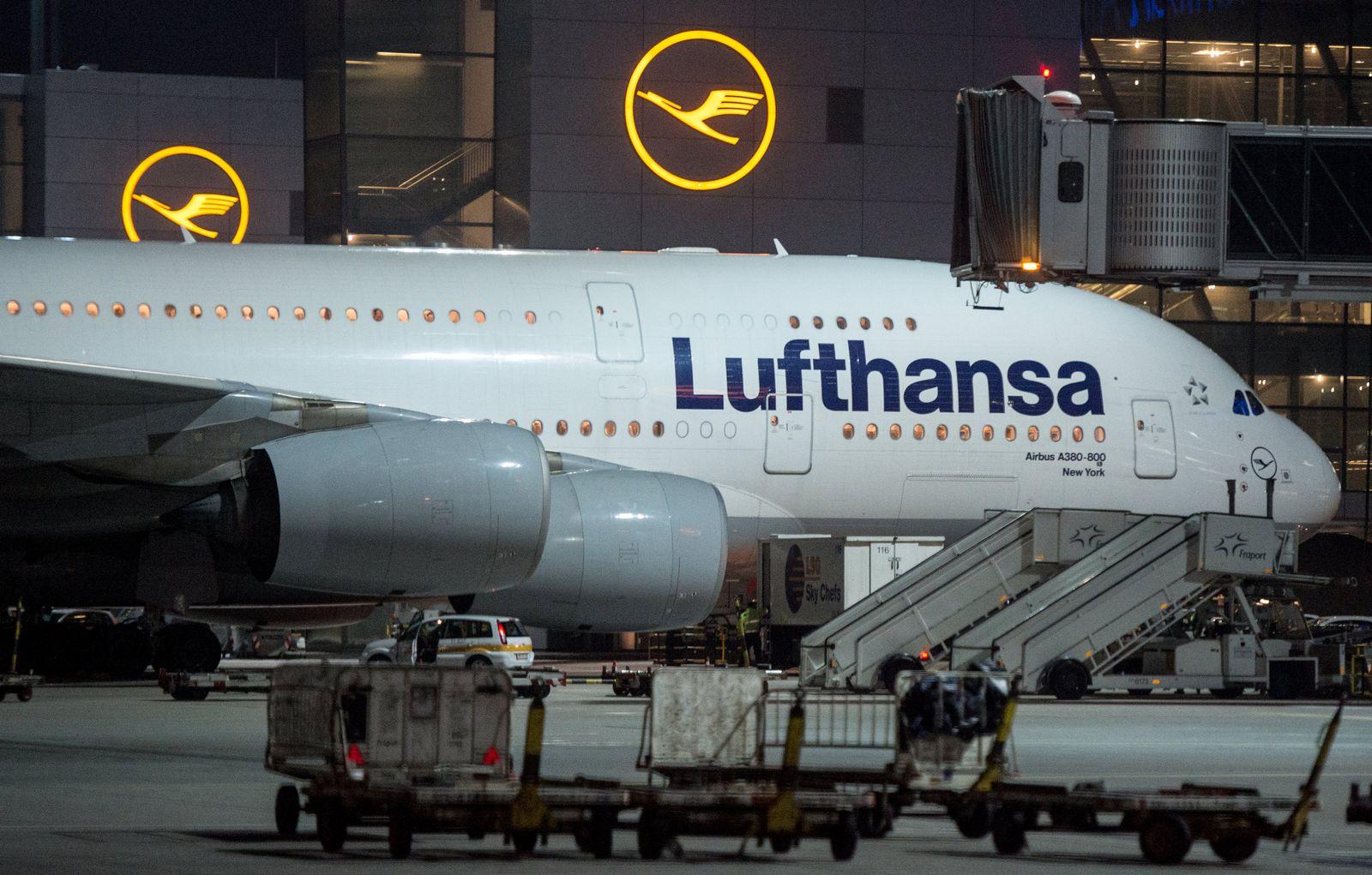 Lufthansa-Flugbegleiter wollen streiken