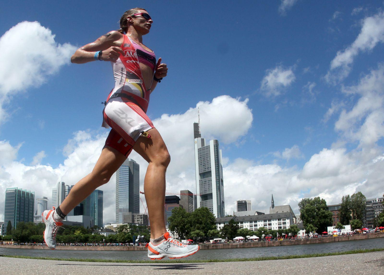 Ironman Frankfurt 2012 / Läuferin