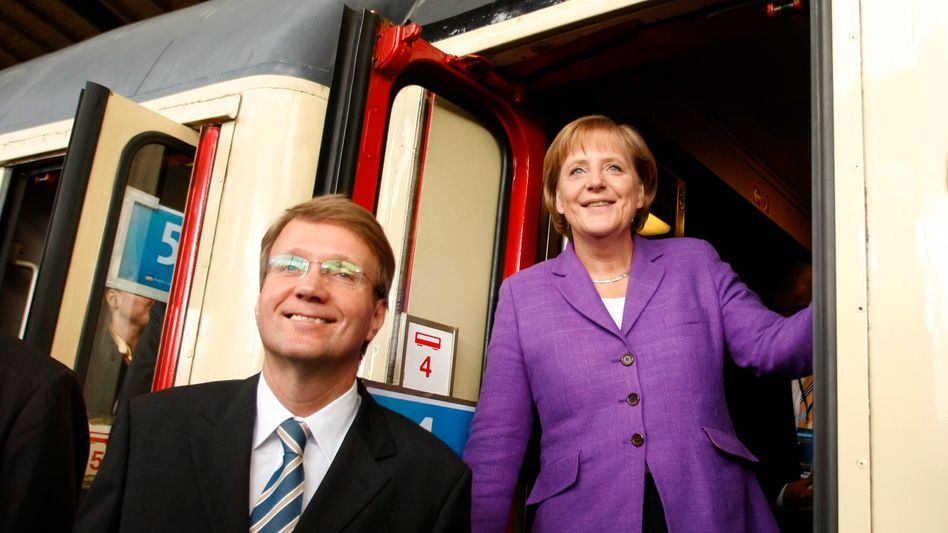 Ronald Pofalla: Einst Krisenmanager für Angela Merkel, jetzt in gleicher Funktion bei der Bahn (Bild Archiv)