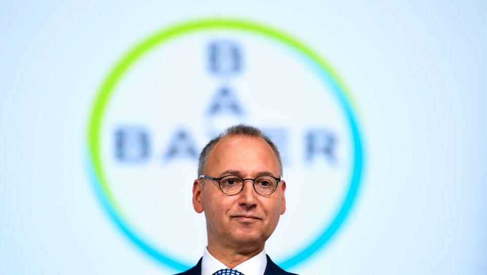 Bayer-Chef Werner Baumann: Räumt der Bayer-CEO die US-Rechtsrisiken im Fall Glyphosat nun doch mit einem milliardenschweren Vergleich ab? Zuletzt hatte Baumann angedeutet, dass Bayer unter bestimmten Bedingungen von seiner harten Linie abweichen könnte
