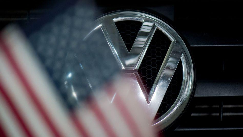 """VW-Abgasskandal: US-Richter Charles Breyer nennt den Milliardenvergleich eine """"faire und angemessene Lösung"""""""