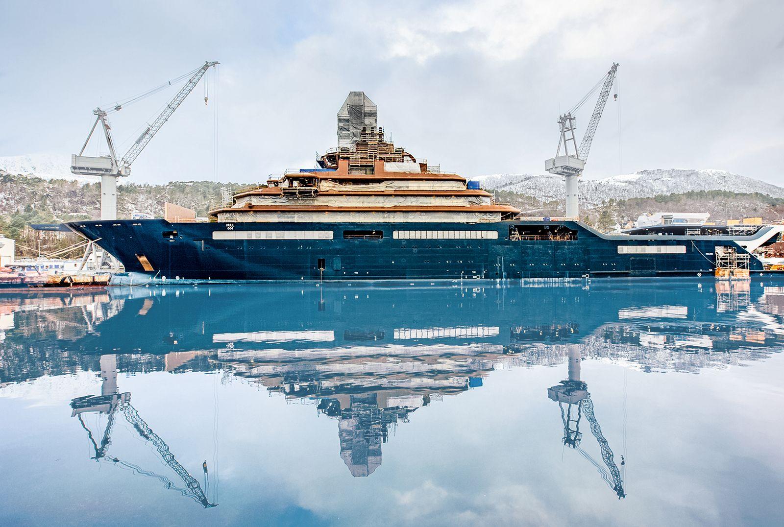 Motoryacht REV Ocean