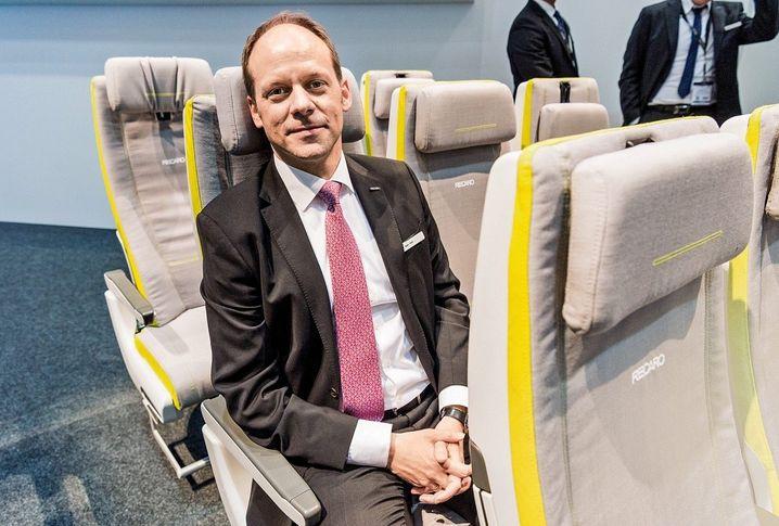 Sitzriese: Recaro-Manager Mark Hiller hat mit leichten Flugzeugsitzen den Markt aufgemischt – und hält trotz Corona Kurs