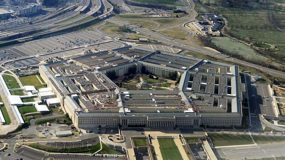Großauftrag abgesagt: Pentagon-Gebäude des US-Verteidigungsministerium nahe Washington