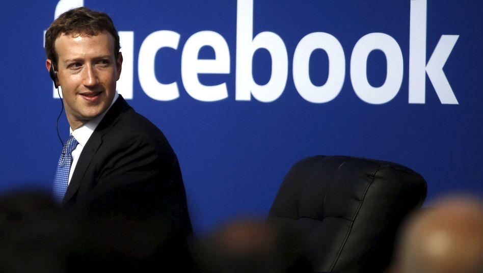 Was sagen vor Hrvard-Studenten? Zuckerberg holt sich Rat bei Bill Gates