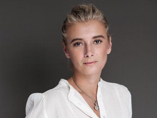 Ein paar Koffer in Berlin: Amorelie-Chefin Claire Midwood