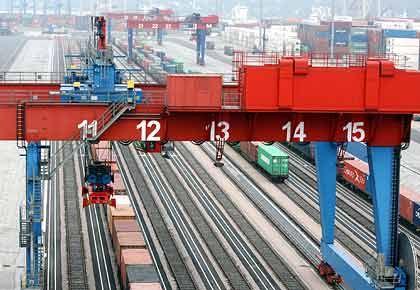Kein Nachschub: Wirtschaftsverbände warnen vor Streik der Lokführer